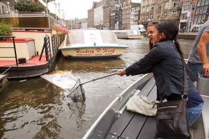 Oud-Amsterdamsch Plastic Visschen, St. Plastic Whale
